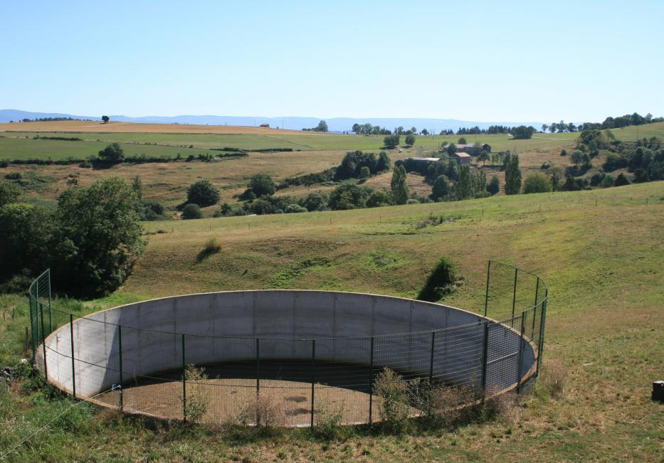 Manure and slurry storage